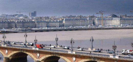 Каменный мост Бордо закроют на два месяца