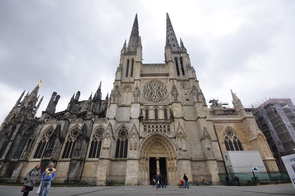 Бордо: город вина и пламенеющей готики